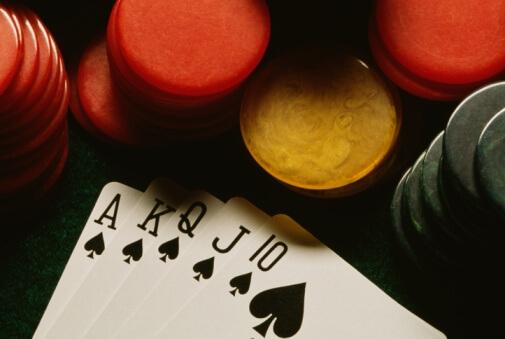 Hay 5 maneras de hacer que una mala mano de póker funcione